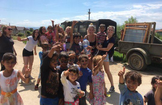 Activiteit Stichting Hulp Door Genade, studenten van de NHTV Breda en de stichting Pe-lunca